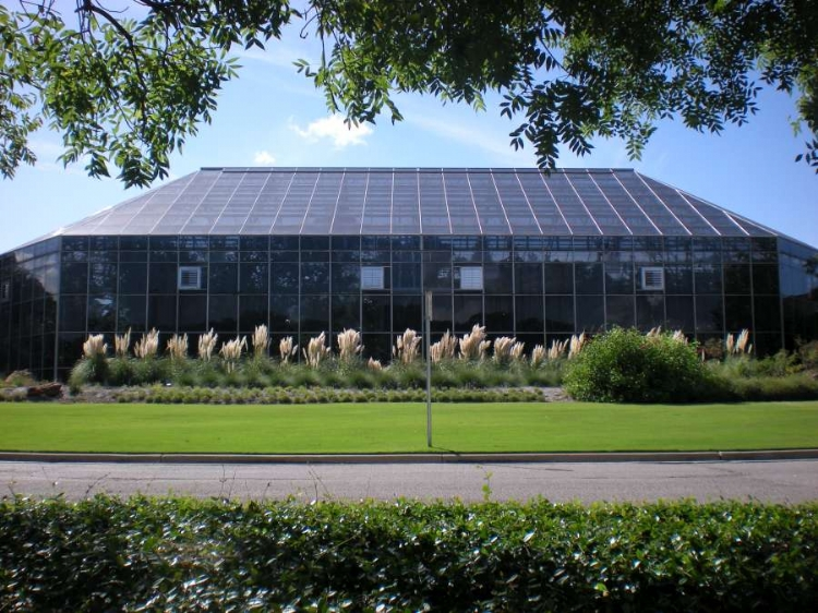 ... Oldest Botanic Garden In Texas, With 2500 Species Of Native And Exotic  Plants In Its 21 Specialty Gardens. The 10,000 Square Foot Conservatory  Features ...